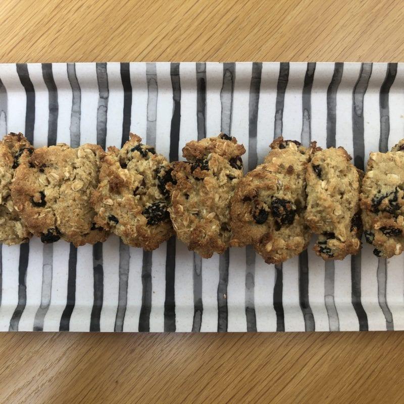 Oaty almond & cherry cookies2